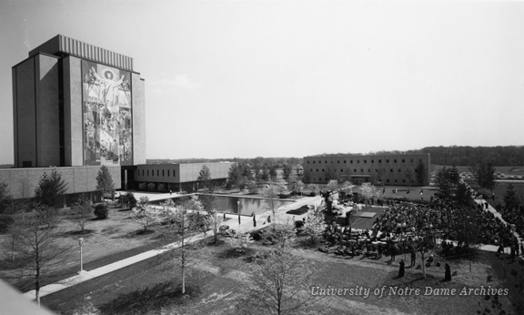 Memorial Library Dedication - Ceremonies on Library Quad, view from above, 1964/0507.
